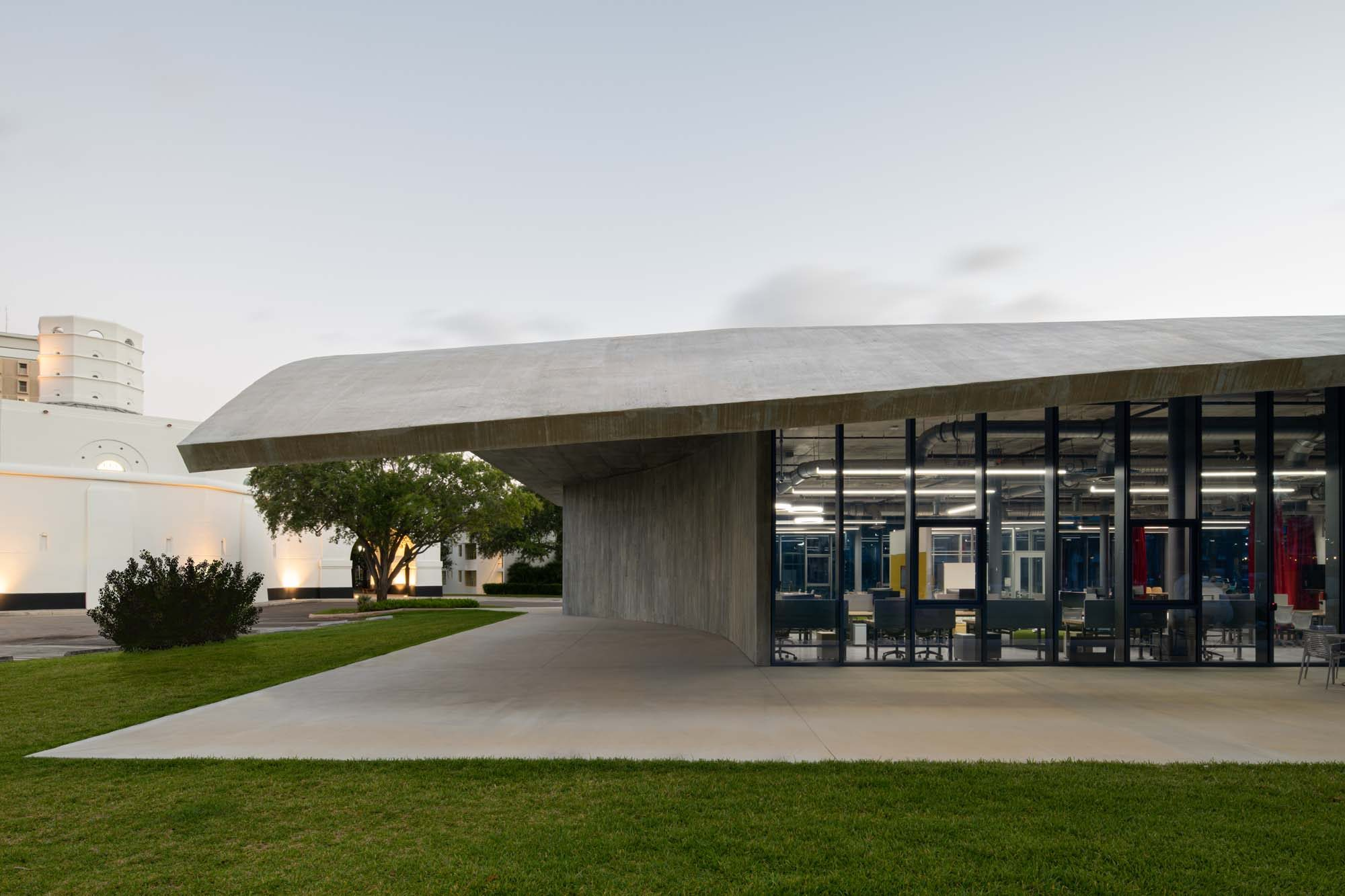 University Miami - School of Architecture - exterior 1